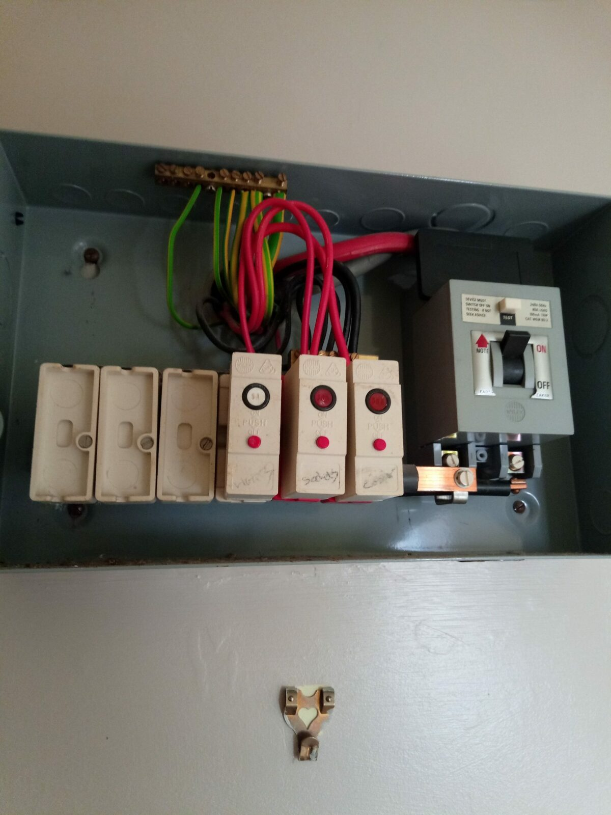 Another old fashion fuse box about to be replaced 3
