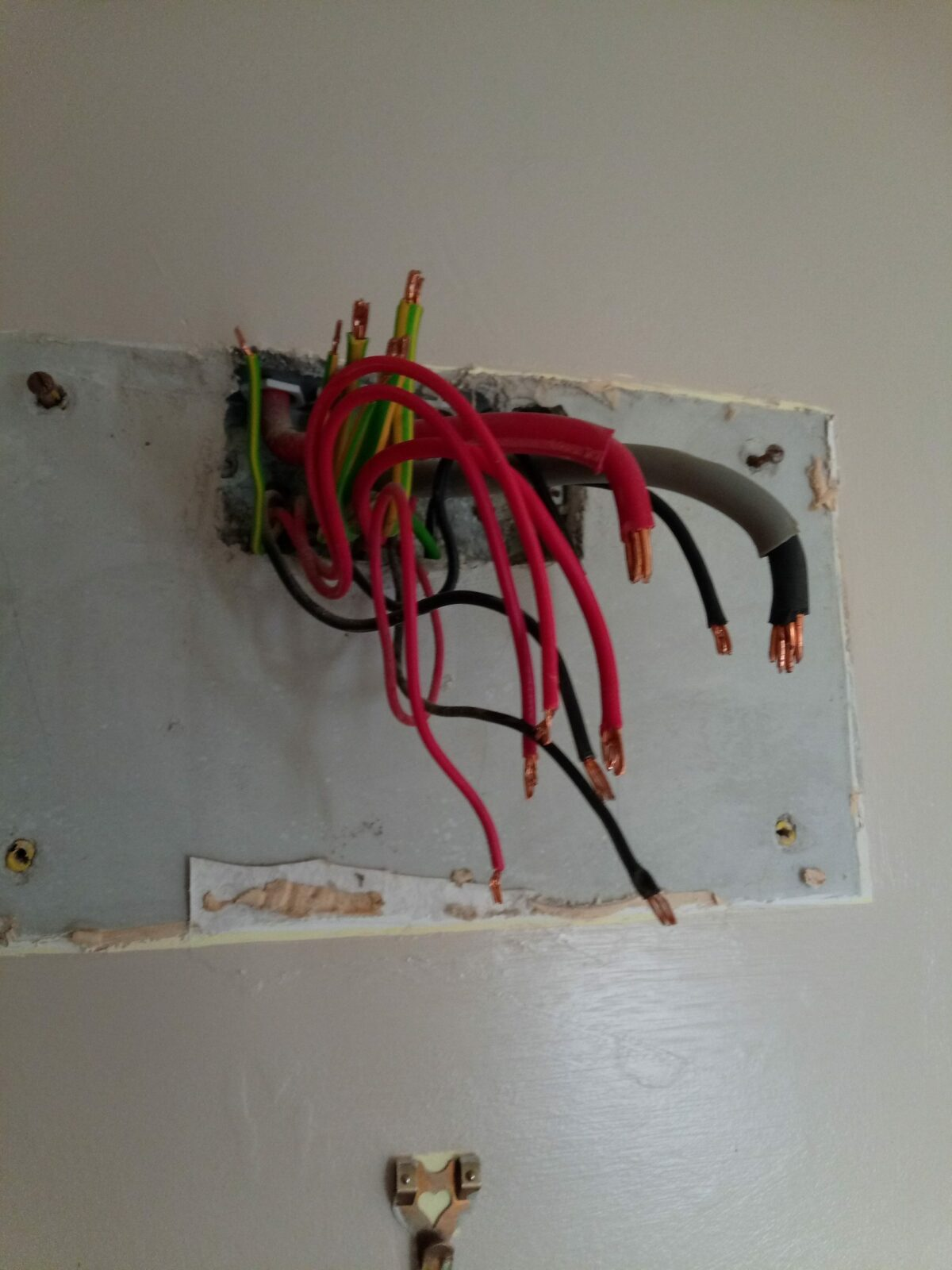 Another old fashion fuse box about to be replaced 4